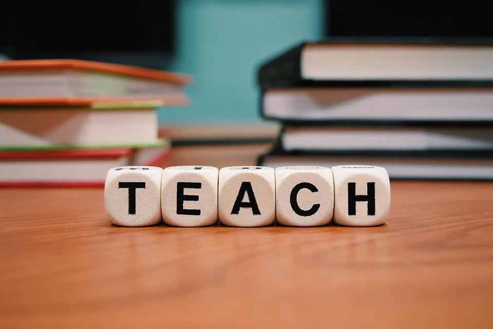 teach-1968076_960_720